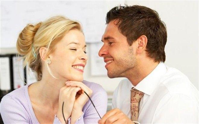 eye contact how to flirt