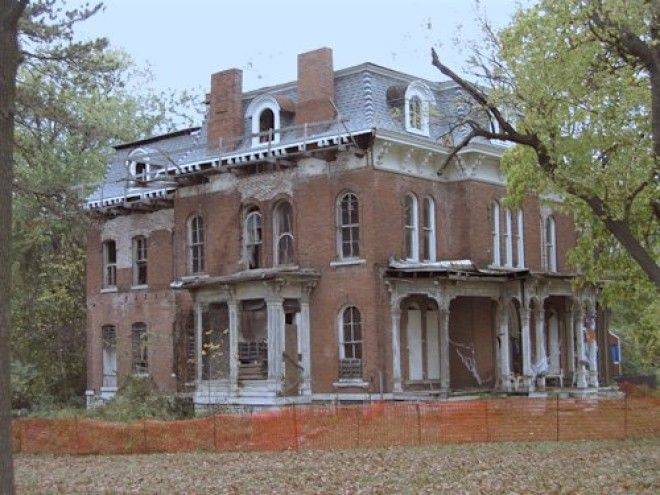ILLINOIS: McPike Mansion
