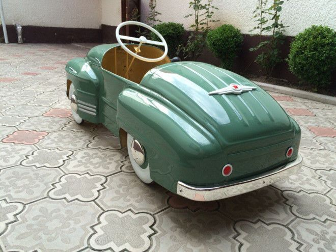 Old Russian Pedal Cars Undergo Brilliant Restoration