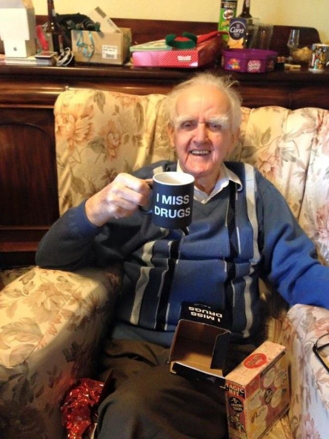 Last Year My Friends Mum Got His 94 Year Old Great Grandfather A Mug Saying Nobody Knows Im Gay This Year Shes Taken It Up Another Notch