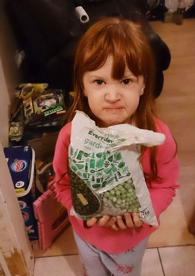 This Little Girl Asked For Frozen Gifts This Christmas
