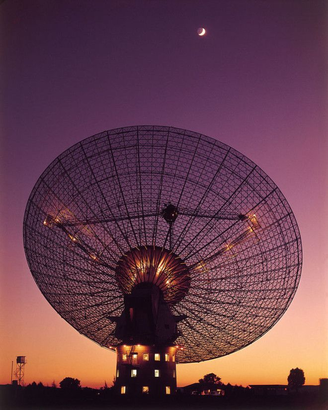 Radio Telescope - Image Credit: CSIRO via Wikimedia Commons