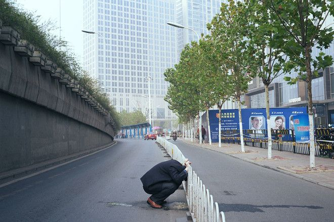 china-perfectly-timed-street-photography-tao-liu-6