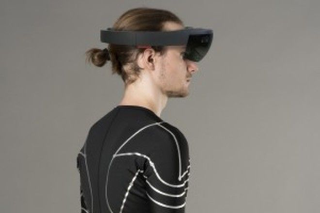 Your Whole Upper Body Becomes a Game Controller When Wearing This Smart Shirt