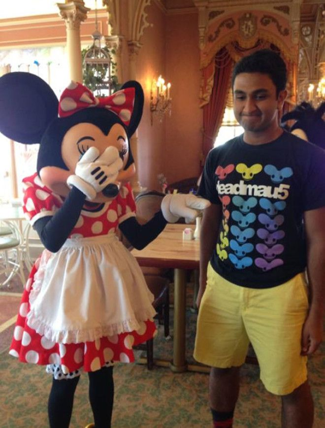 My Friend Went To Disneyland Wearing The Wrong Shirt