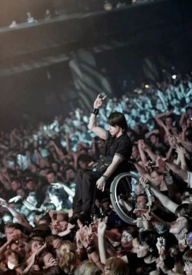 When a kind crowd gave this fan an unforgettable experience that seemed unimaginable considering his disability.