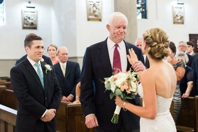 The Brides Father Died Ten Years Ago And His Heart Was Donated The Man Who Received The Transplant Walked Her Down The Aisle
