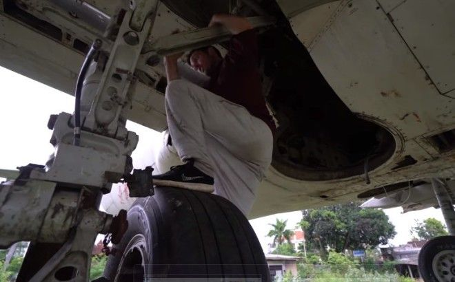 Abandoned Boeing 737 Turns Into A Tourist Attraction In Bali
