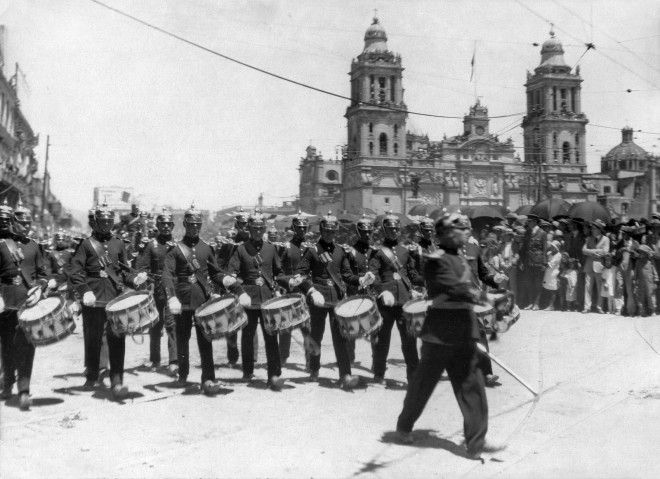A military parade on Mexican Independence Day takes place at the Plaza de la Constitución in Mexico City.