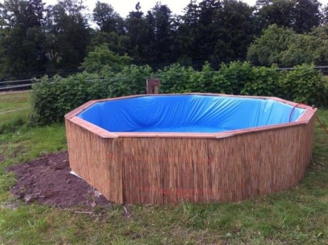 Build your own outdoor swimming pool using wooden pallets