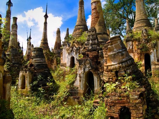 Extraordinary village of Buddha