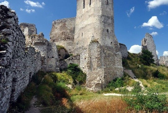 In the northwestern part of Slovakia, Čachtice Castle lies in ruins after its final defeat and plundering during the 18th century.