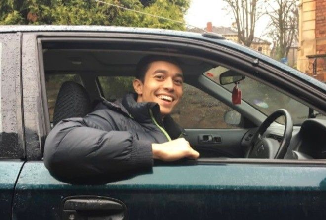 He found a 1997 Honda Civic online for the princely sum of £80 and decided to drive it the 115 miles to London.